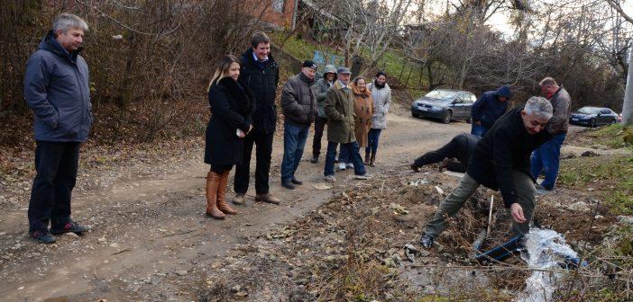 Завршена водоводна мрежа у улици Вилина страна у Заклопачи